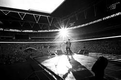 Эд Ширран: Концерт  на стадионе Уэмбли (Ed Sheeran Live From Wemble Stadium), Фото с концерта - фото 8788